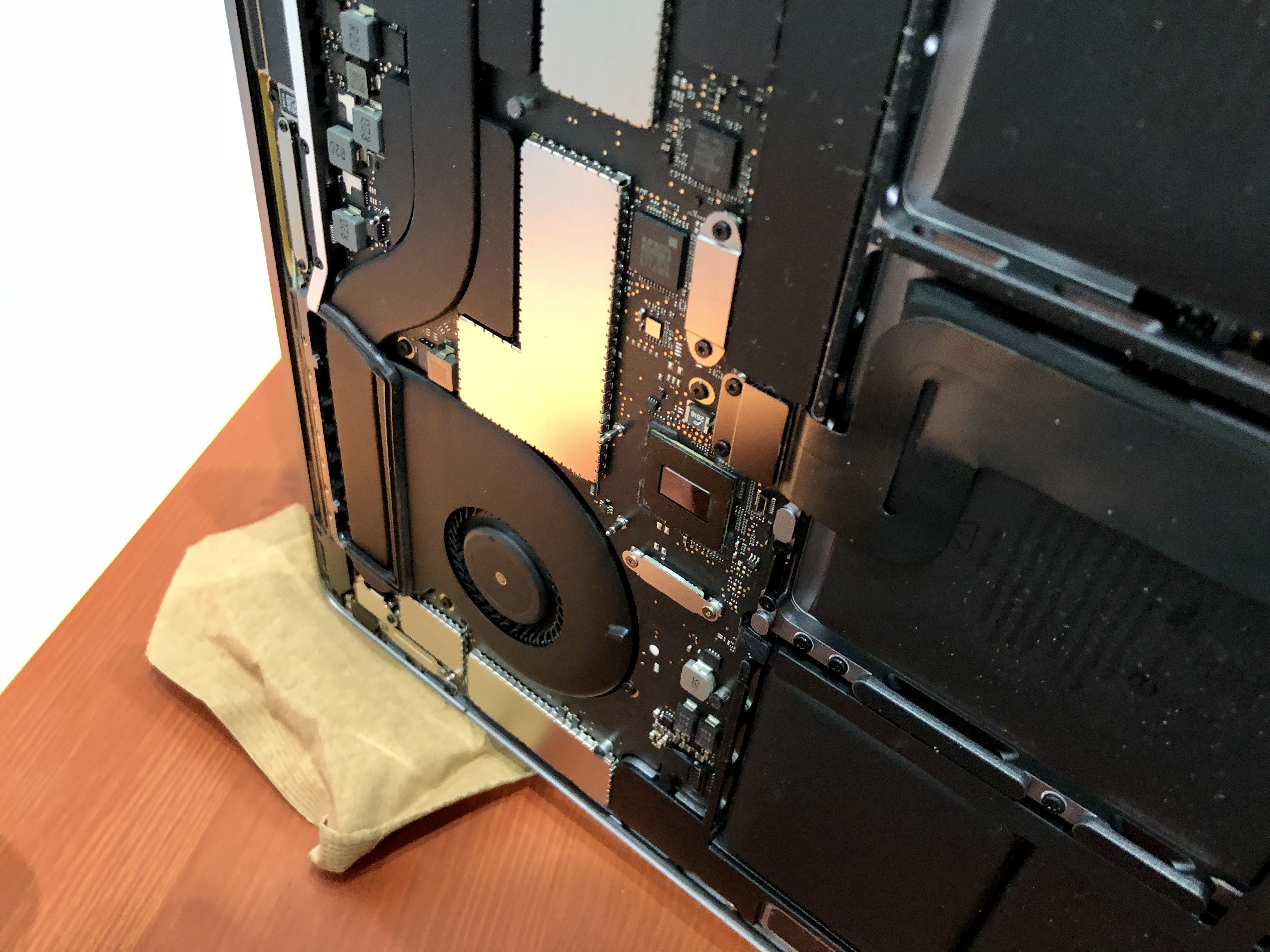 MacBook Water Damage: How to Save Your MacBook or MacBook Pro