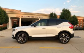 2019 Volvo XC40 Review - 10