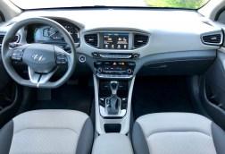 2018 Hyundai Ioniq Hybrid Review - 16