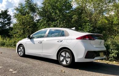 2018 Hyundai Ioniq Hybrid Review - 2