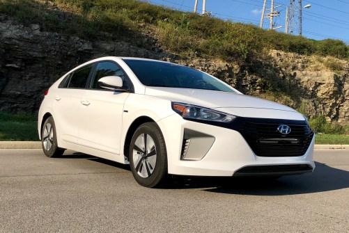 2018 Hyundai Ioniq Hybrid Review - 20