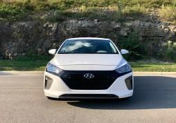 2018 Hyundai Ioniq Hybrid Review - 22