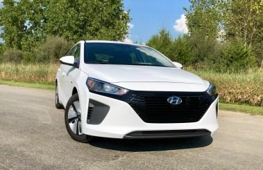 2018 Hyundai Ioniq Hybrid Review - 4