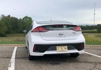 2018 Hyundai Ioniq Hybrid Review - 9