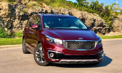 The Kia Sedona SXL looks sharp and is packed with features.