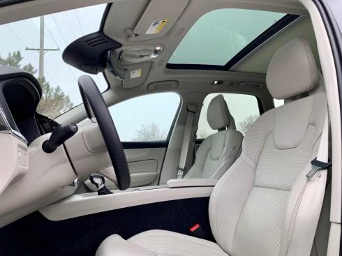 2019 Volvo XC60 Review - 22