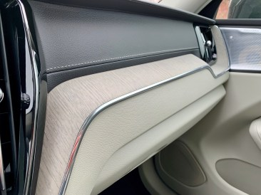 2019 Volvo XC60 Review - 23