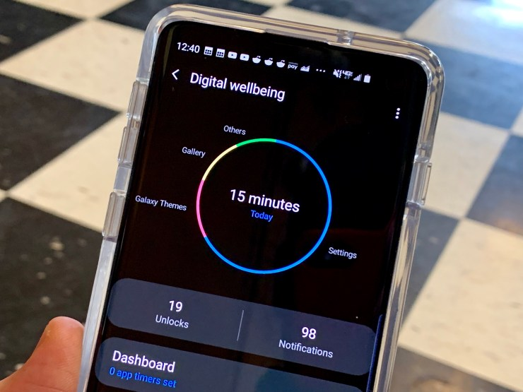 Track your digital wellbeing with the Galaxy S10.