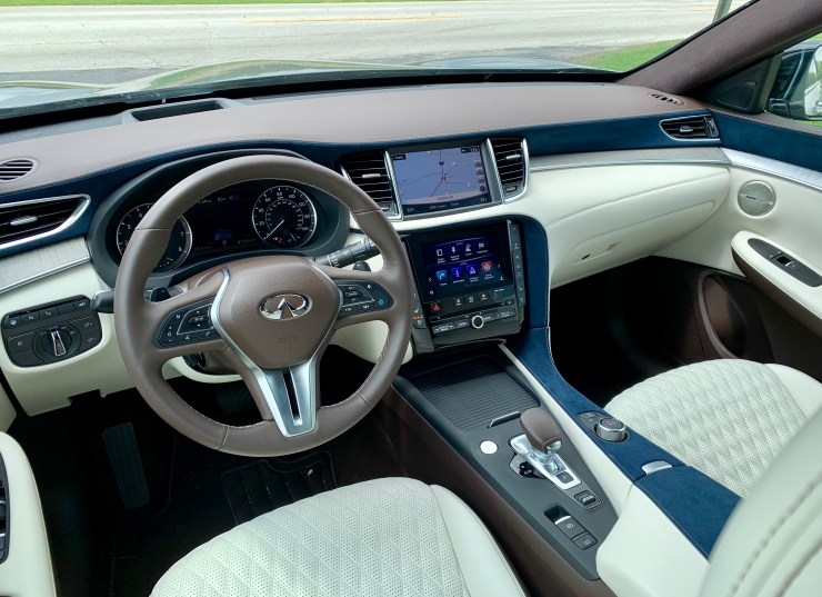 The 2019 QX50 interior uses a nice mix of materials, colors and patterns.