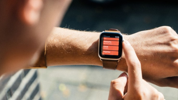 Wait for a New Apple Watch Design & Features