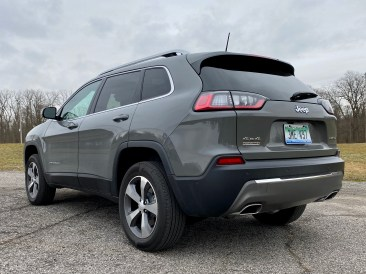 2020 Jeep Cherokee Review - 22