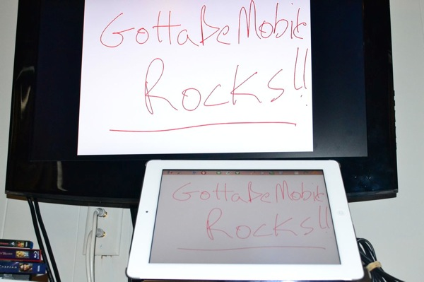 2Screens is a whiteboard app that uses wireless mirrong thorugh AirPlay