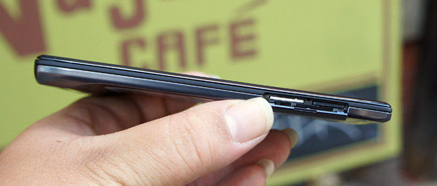 Droid RAZR left side - SIM and microSD card slots