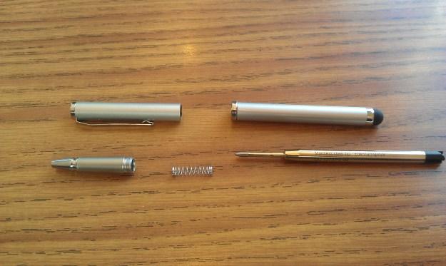 RocketFish Stylus and Pen uses Schneider pen refills