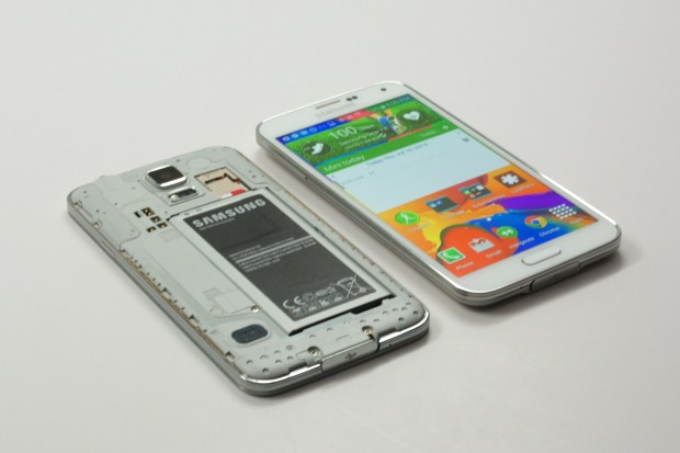 Find out why you should buy the Galaxy S5 in 2015.