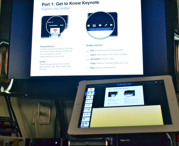 Keynote running through AirPlay on the Apple TV