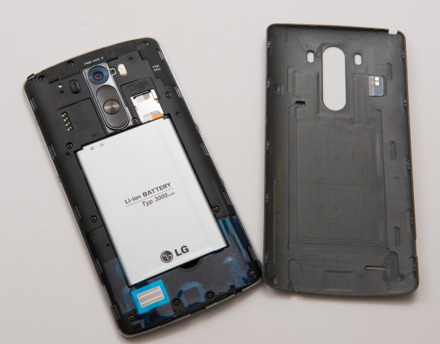Expect Micro SD card support on the Galaxy S6, just like the LG G3 offers.