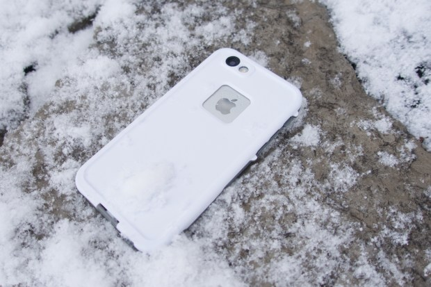 This case protects against drops, water, snow and dirt.