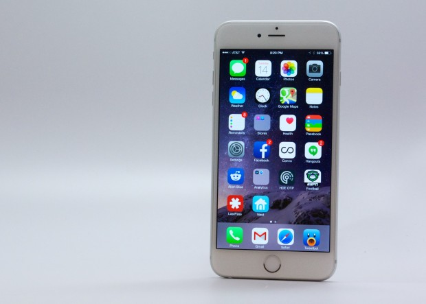 iOS 8.1 delivers a better experience on the iPhone 6 Plus.