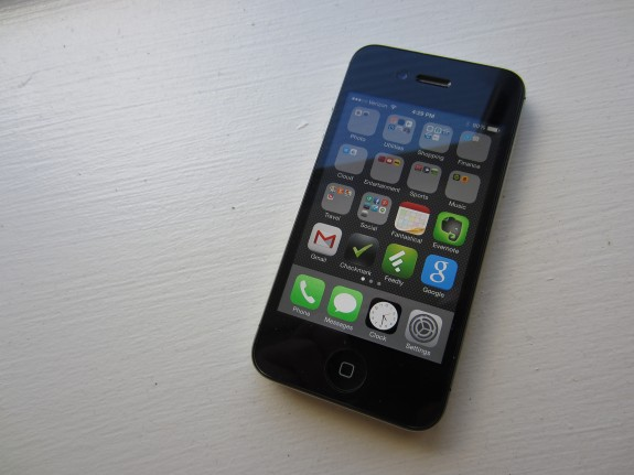 iOS 8.1.2 on iPhone 4s