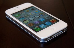 iPhone 4S hardware and design