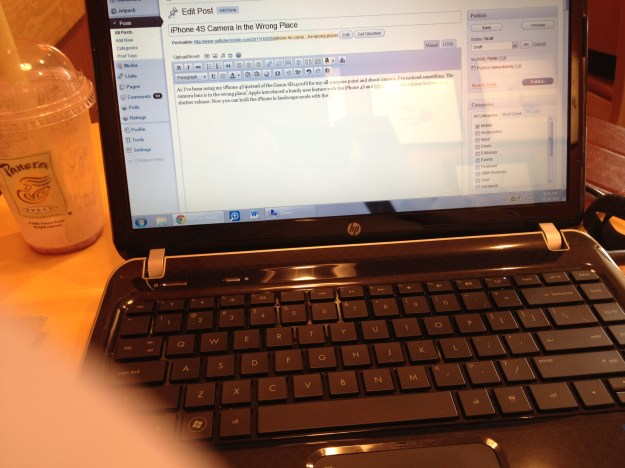 iPhone 4S Camera easy to get fingers in shot