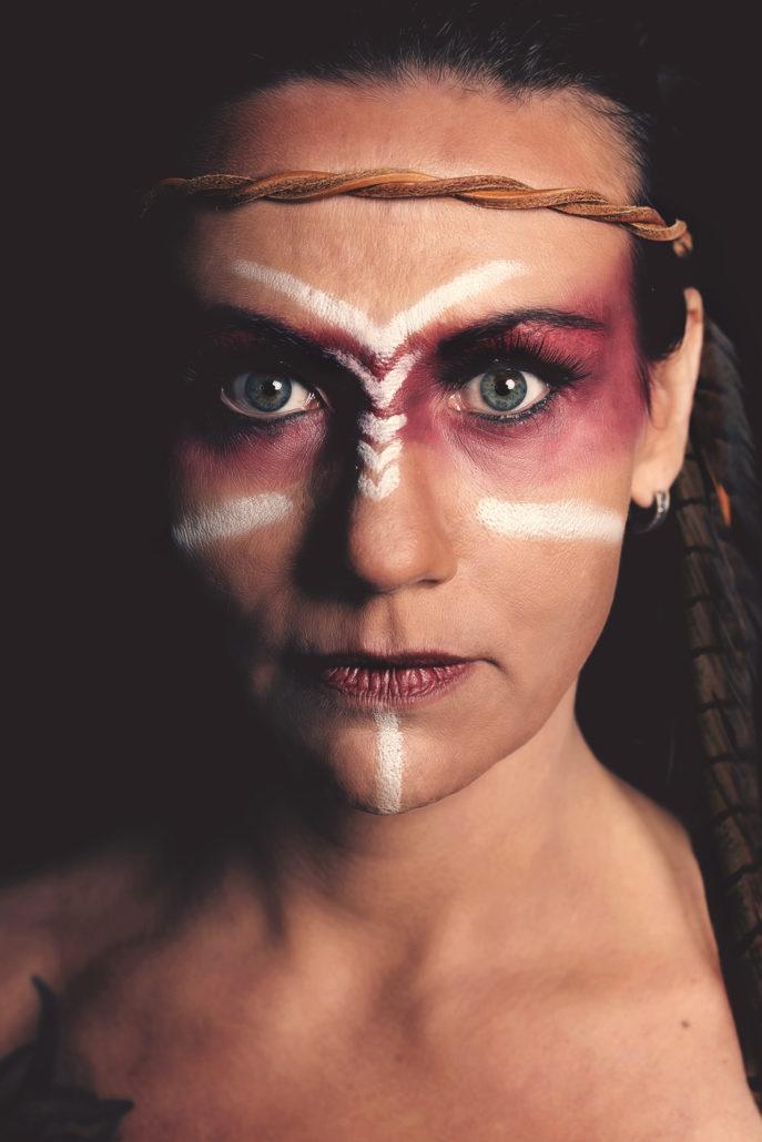 Extreme MakeUp im Indianer look  Gotzis Photography
