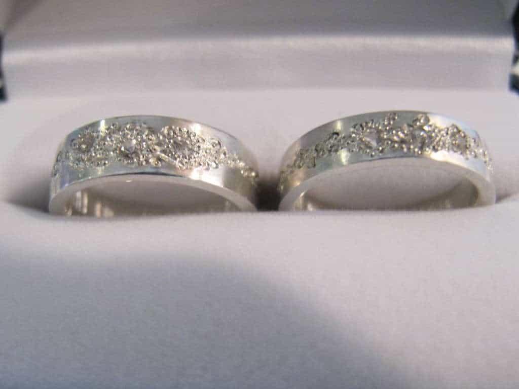 Zilveren sieraden schoonmaken