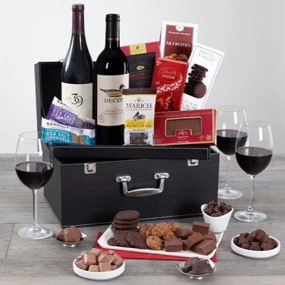 Delicious Holiday Gifts From GourmetGiftBaskets.com