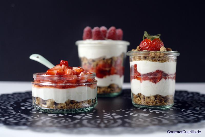 Whim-wham mit Erdbeeren-Zitronentraum und_Streuselcrunch #rezept #gourmetguerilla