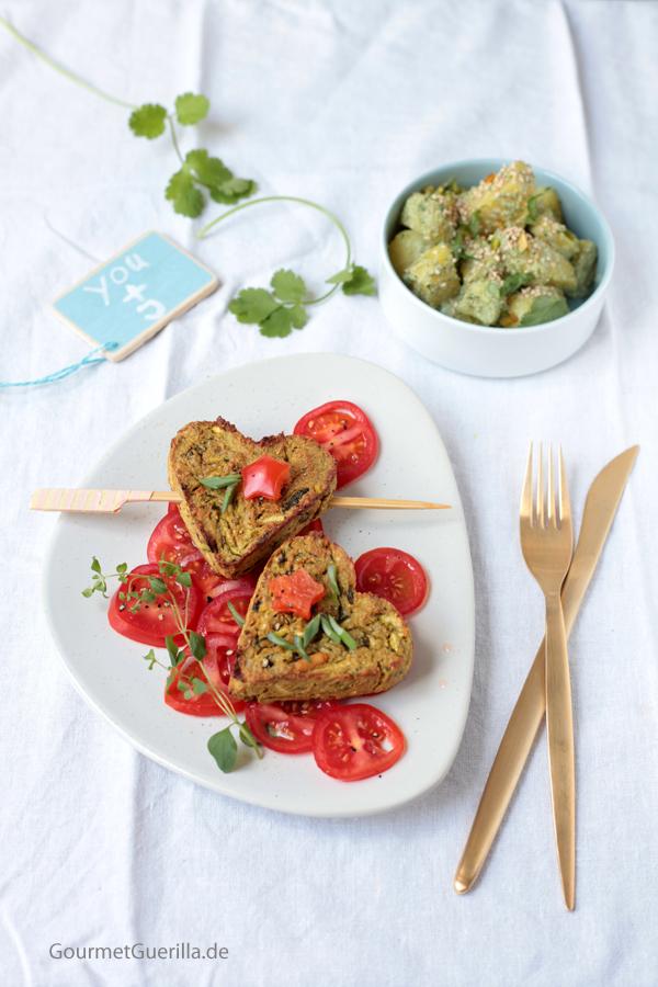 vegan love avocado zucchini herzen auf tomatenspiegel mit minzkartoffeln heute mache ich. Black Bedroom Furniture Sets. Home Design Ideas