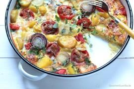 Frittata mit gebackenen Limetten-Tomaten und Zwiebeln #rezept #gourmetguerilla #vegetarisch