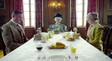 Telefone bei Tisch und Tischmanieren