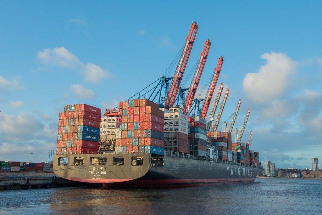 container ship, cargo ship, freighter-596083.jpg