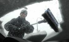 Comment bien déneiger sa voiture en hiver ?
