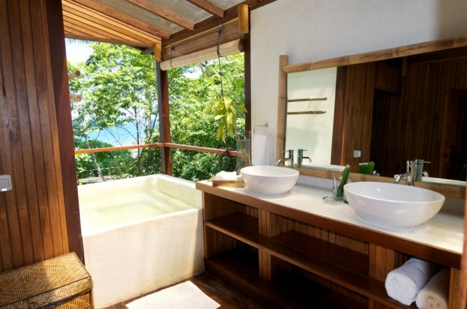 Japamala Tioman Resort Penghulu House Bathroom