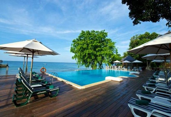 Tunamaya Beach & Spa Resort Swimming Pool
