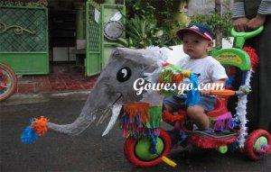 Sepeda bentuk gajah