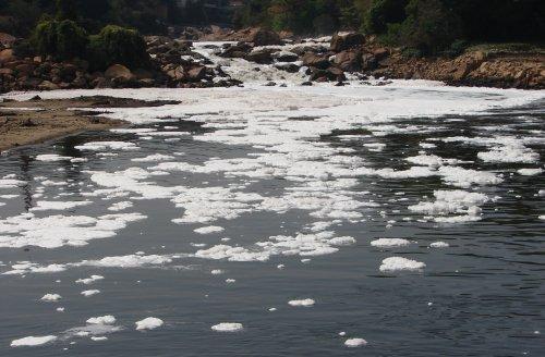contaminación de aguas y suelos