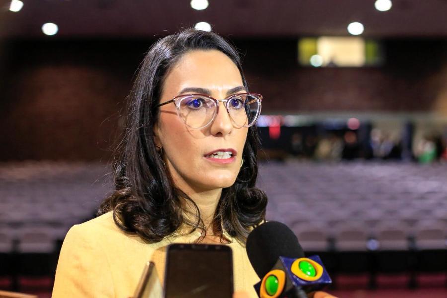 Mariana Paranhos