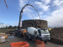 Premier silo en construction