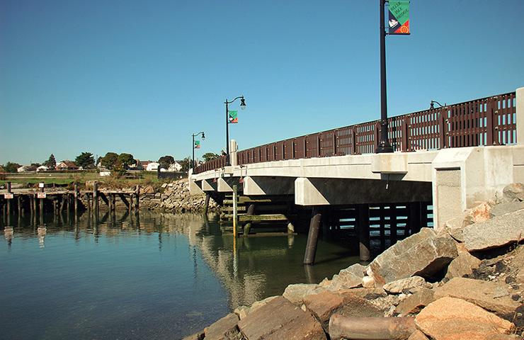 Saratoga Street over Belle Isle Inlet