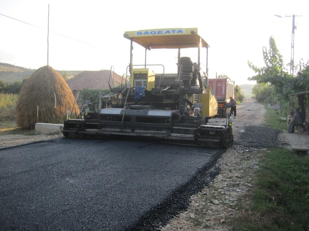 Utilaj asfaltare drumuri