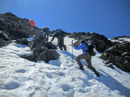 Nordseite vom Monte Cinto. Noch viel Schnee