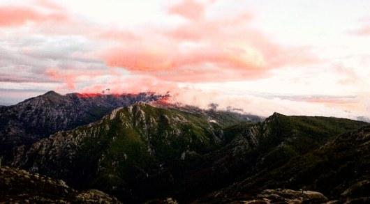 montagne-corse-en-fin-de-journee