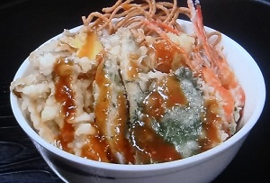 オモウマい店:茨城「船頭料理 天心丸」!魚が大きすぎる天丼、海鮮丼