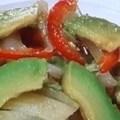 白菜とアボガドのマヨネーズ炒めのレシピ