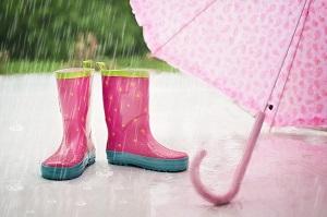 雨、長靴、傘、