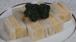 """厚焼きたまごサンドのレシピ!京都の名店(マドラグ)の極上たまごサンド""""の作り方"""