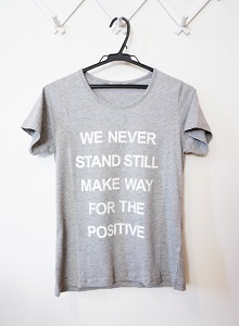 家事ヤロウ:Tシャツ収納に100円グッズの Tシャツロールのお取り寄せ!